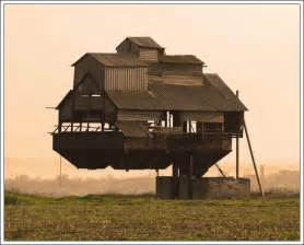 Bizarre Houses Strange House 1 Amazingmaterial Com