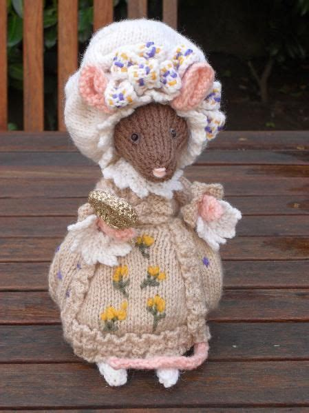 free patterns alan dart lady mouse from beatrix potter this is another glorious