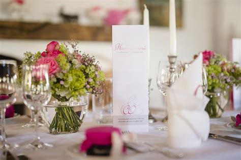 Tischdeko Hochzeit Rosa by Klassische Hochzeit Am Tegernsee In Pink Gr 252 N Und Wei 223
