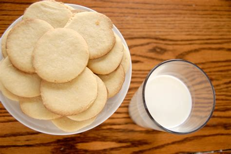 fare dolci in casa come fare i biscotti al latte in casa tomato