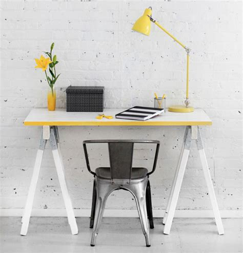 Diy Sawhorse Desk Diy Sawhorse Desk Diy Sawhorse Desks Inspired By Restoration Hardware Apartment Therapy White