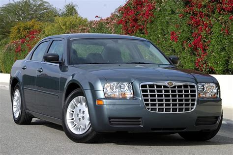 2006 Chrysler 300 Mpg by 2005 Chrysler 300 Reviews Specs And Prices Cars
