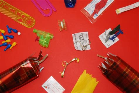 best christmas cracker prizes go crackers how to make jewellery out of your cracker prizes part 1 paperclip brooch