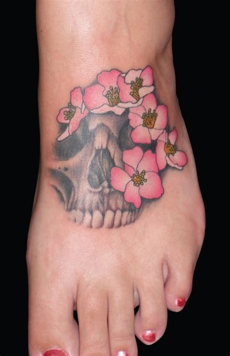 small skull tattoos for girls the skull tattoos for beginners pretty designs