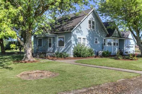 oregon property for sale 20 flat acres for sale with remodeled farm house salem