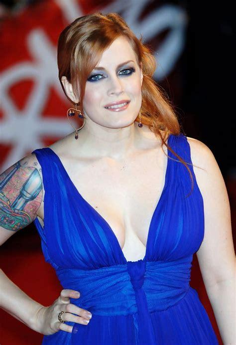 Scissor Do The Brit Awards by Matronic Photos Photos Arrivals At The Brit Awards