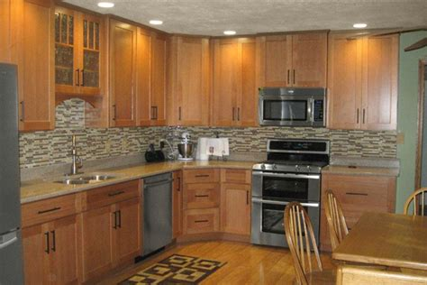 Handles For Oak Kitchen Cabinets by Oak Kitchen Cabinets Dayton Door Style Cliqstudios