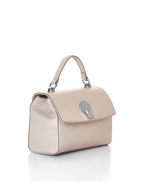 028d2ar Knot Handle Handbag Soft Pink pink sand top handle handbag cleo