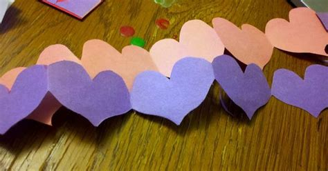 How To Make Paper Chain Hearts - how to make a paper chain s day craft for