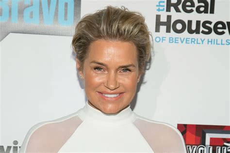 photos of yolanda foster in youth sports yolanda foster says gigi and bella are better models than