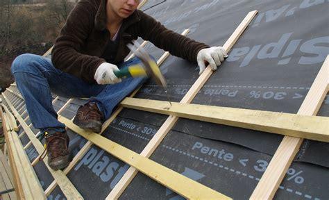 Construction D Une Toiture En Tuiles by Travaux De Toiture Les 5 R 232 Gles De S 233 Curit 233 Essentielles