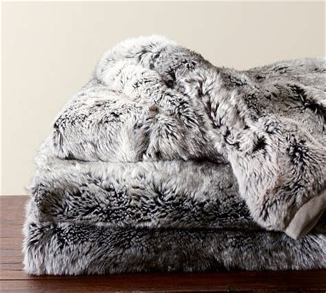 Soft Faux Fur Blanket by Fabulous Faux Fur Style Ideas To Warm Up Your Winter
