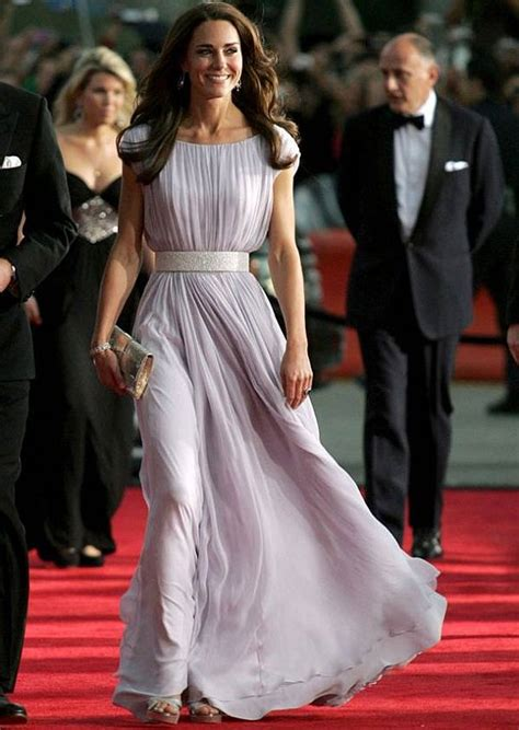 top 5 outfits worn by kate middleton