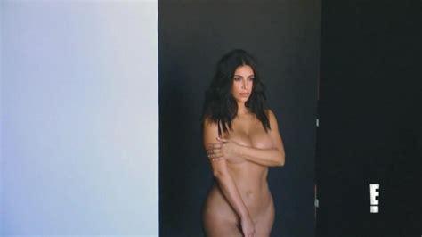 De Nouvelles Photos De Kim Kardashian Topless Et Nue Whassup