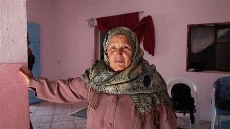 donne tunisine a letto le donne tunisine chiedono verit 224 per i loro cari