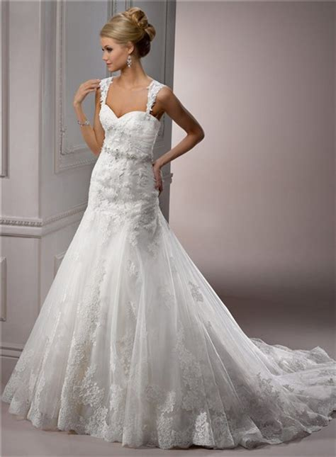 a line sweetheart tulle wedding dress with detachable