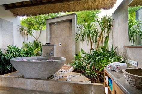 Outdoor Bathroom by Luxury Bathrooms Top 20 Stunning Outdoor Bathrooms Part 1