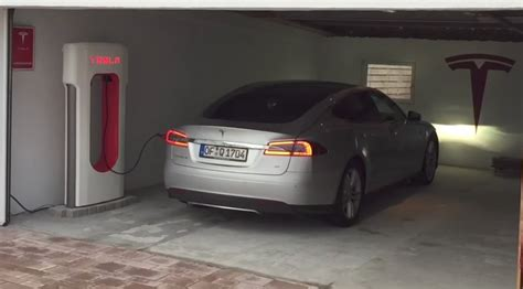 cost  charge  tesla  month