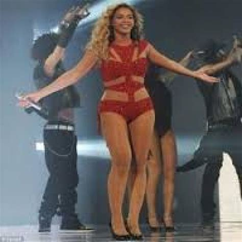 how much does beyonce weigh where are the stretch marks of celebrities celebrities