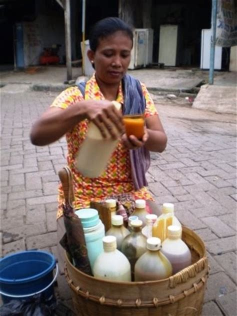 Serbuk Daun Senggugu Untuk Gurah Dan Pengobatan Lainnya 5 pengobatan tradisional khas indonesia yang tak lekang oleh waktu unik aneh menarik