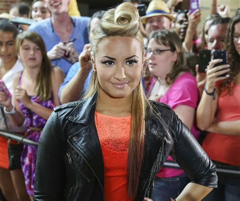 demi lovato biography in french summer hairstyle alert demi lovato s french roll quiff