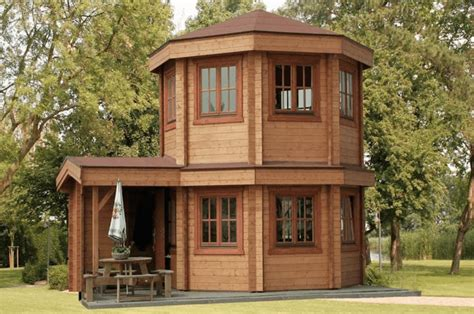 octagon log homes this gorgeous octagonal log cabin only costs 50 000