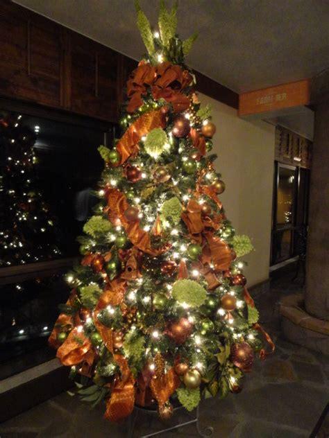 holiday interior design livened   themed christmas