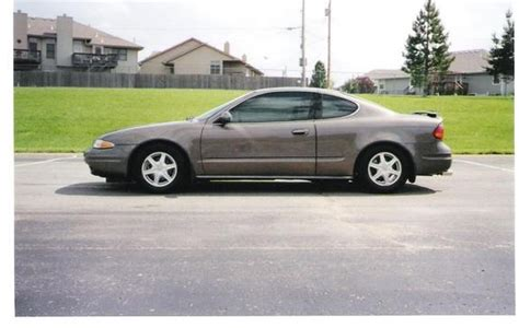 how do i learn about cars 2002 oldsmobile alero free book repair manuals hchhollywood 2002 oldsmobile alero specs photos modification info at cardomain