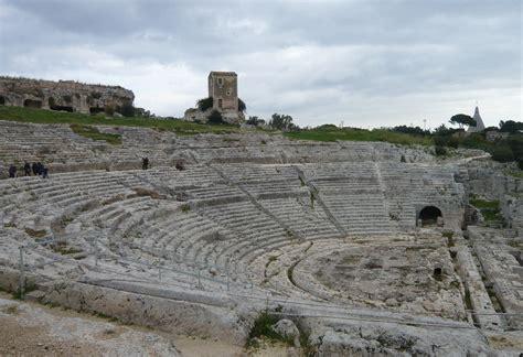 teatro greco di siracusa siracusa teatri greci on emaze