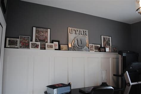 Wainscoting With Shelf by Wainscoting With Top Shelf Ledge I Could Do This