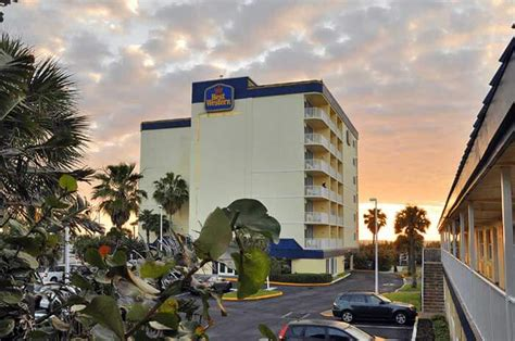 comfort inn cocoa beach park and cruise the best deals on cocoa beach hotels and port canaveral