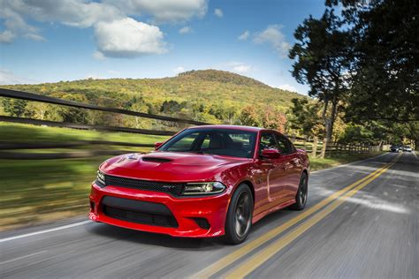 mpg on dodge charger 707 horsepower dodge charger srt hellcat earns epa highway