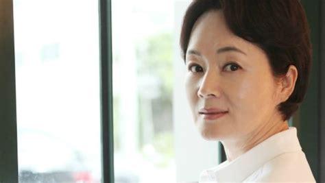 korean veteran actress passed away veteran actress kim young ae passes away fighting