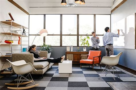 Startup Office Decor by How To Design A Cool Startup Office D 233 Cor Aid