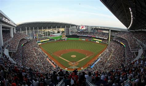 stadiumlinks at marlins park the marlins park home to the miami marlins stadiums
