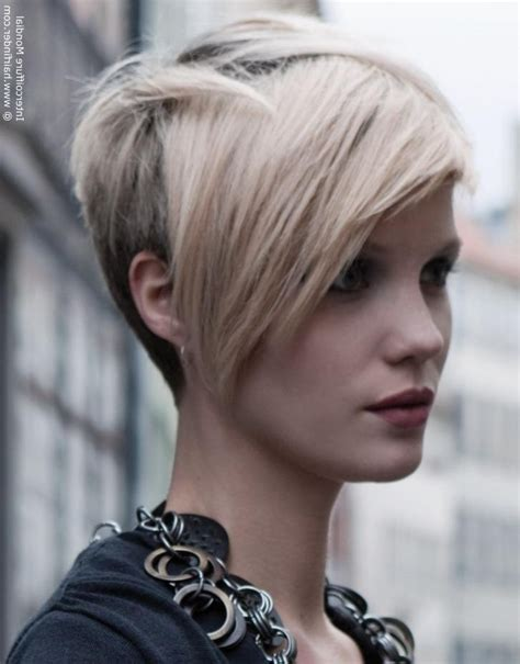 hairstyles that are longer in the front 2018 popular short in back long in front