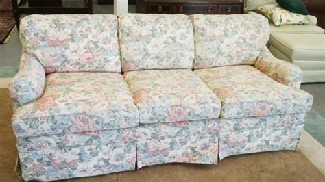 ethan allen floral couches ethan allen floral sofa bed measuring 80 inches