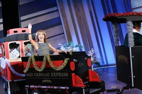 Queen Latifah Show Giveaways - kathy griffin chef robert irvine plus huge giveaway on the queen latifah show