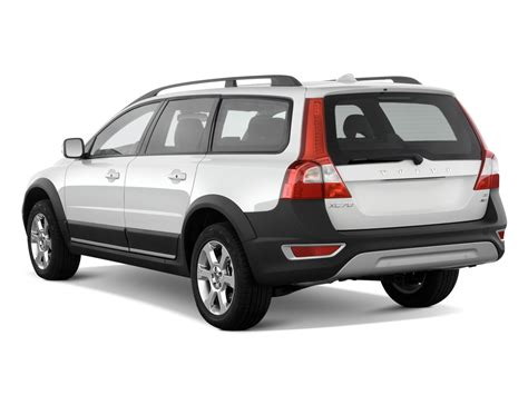 2010 Volvo Xc70 2010 Volvo Xc70 Reviews And Rating Motor Trend