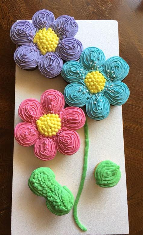 cupcakes pull  cake flower power buttercream icing chocolate  vanilla cupcakes