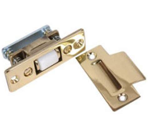 A Complete Guide To Interior Doors Types Components Closet Door Roller Catch