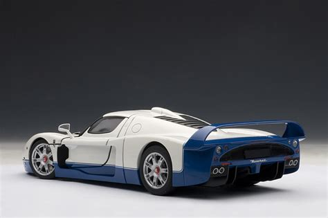 maserati mc12 blue autoart maserati mc12 pearl white 75801 im 1 18
