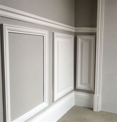 Wainscoting Molding Trim by Habillage Portes Diy Salons Moldings And