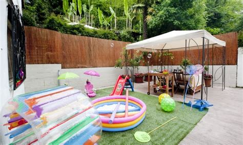 como decorar mi sala en verano terraza con zona de juegos decogarden
