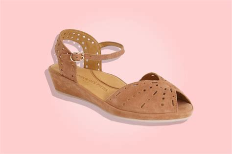 comfortable shoes for sightseeing most comfortable travel shoes for women