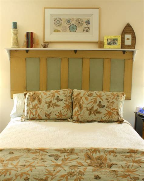 Cabinet Door Headboard by Diy Headboard With Door Fro Cabinet And Made Shelf