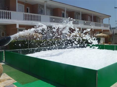 paradise appartments the preparation for the foam party picture of paradise