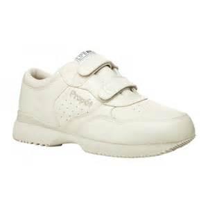 orthopedic walking shoes lifewalker s orthopedic walking shoe propet