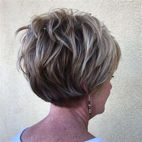 layered hair with low lights highlights short short layered hairstyles with highlights short hairstyle