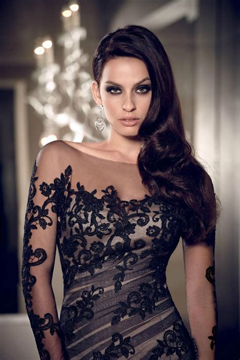 Top Evening Dresses: Black evening dresses size 22